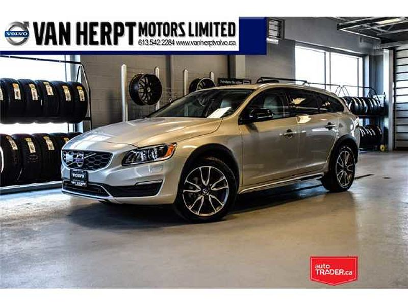 2017 Volvo V60 Cross Country T5 PREMIER WITH 0.9% FINANCING (OAC)