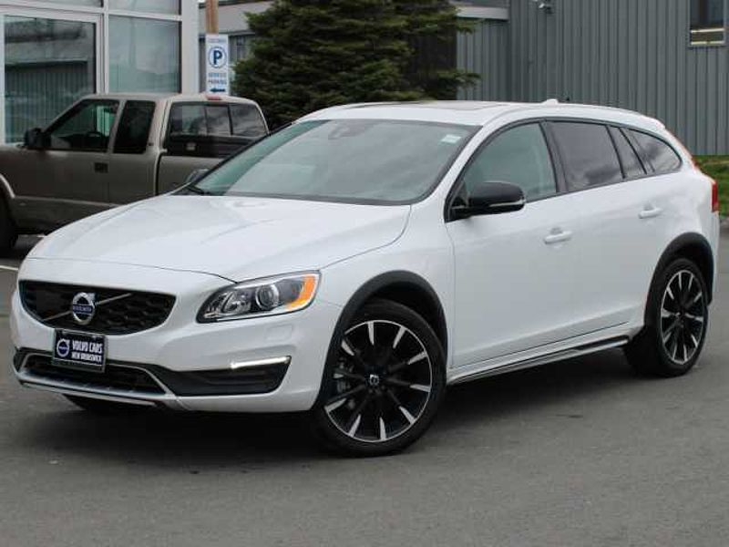 2018 Volvo V60 Cross Country T5 Premier AWD | FULL VOLVO WARRANTY TO 160K
